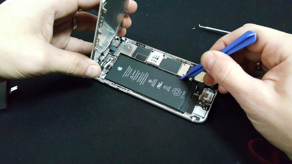 Ремонт и замена батареи телефона и смартфона